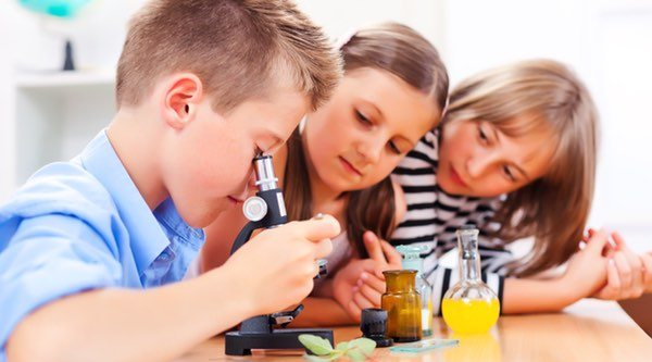 Los mejores kits científicos para que los niños aprendan experimentando