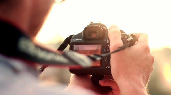 10 cámaras réflex para regalar en Navidad por menos de 1000 euros