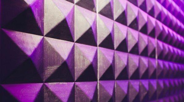 Los mejores aislantes de sonido para el tratamiento de una sala acústica