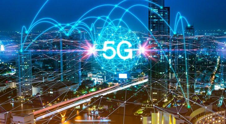 Los móviles 5G que puedes comprar estas Navidades 2019