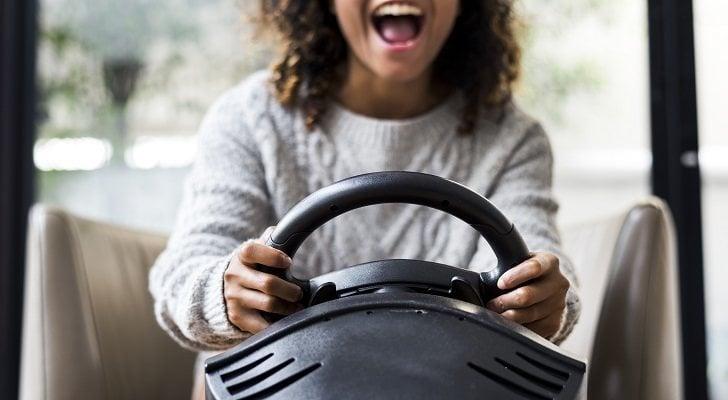 Los mejores volantes gaming con pedales